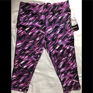 ❤️3/4 Fitness Pastels purple cropped leggings M